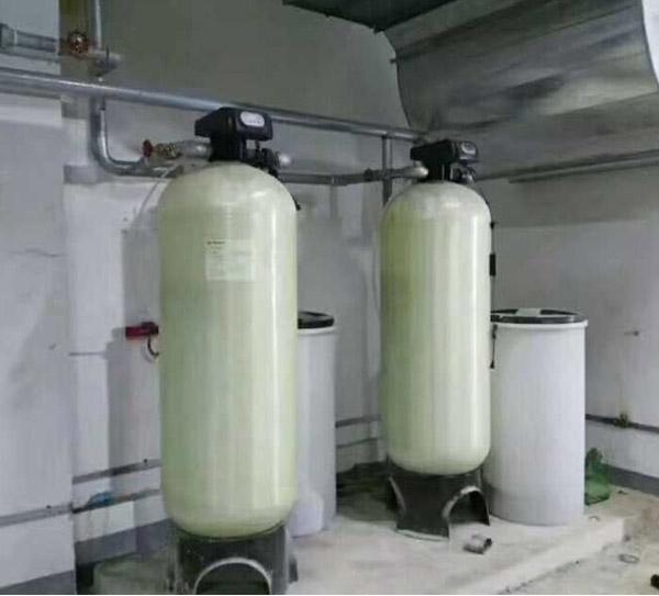 供应全自动软水器