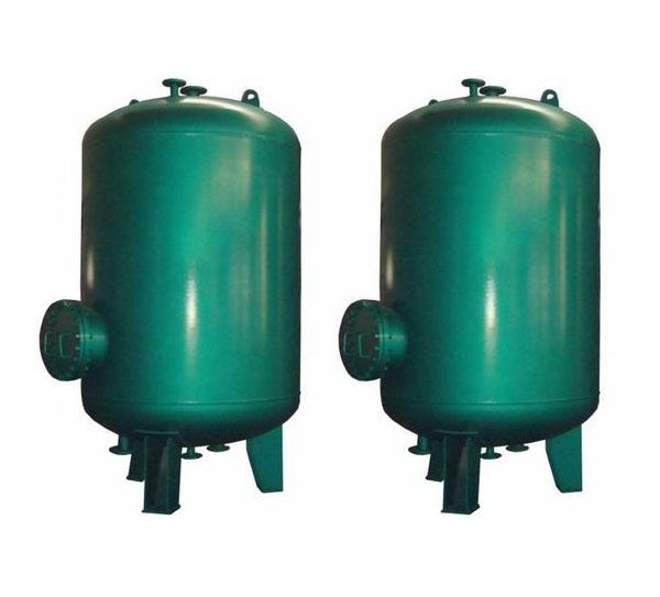 内拆式半容积蓄热水加热器