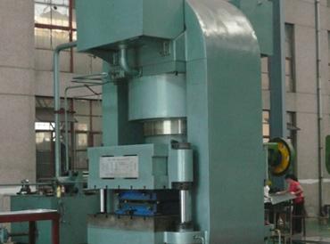 万吨板式换热器压力机